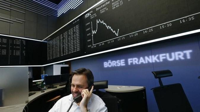 Wall Street Melemah, Bursa Eropa Menguat